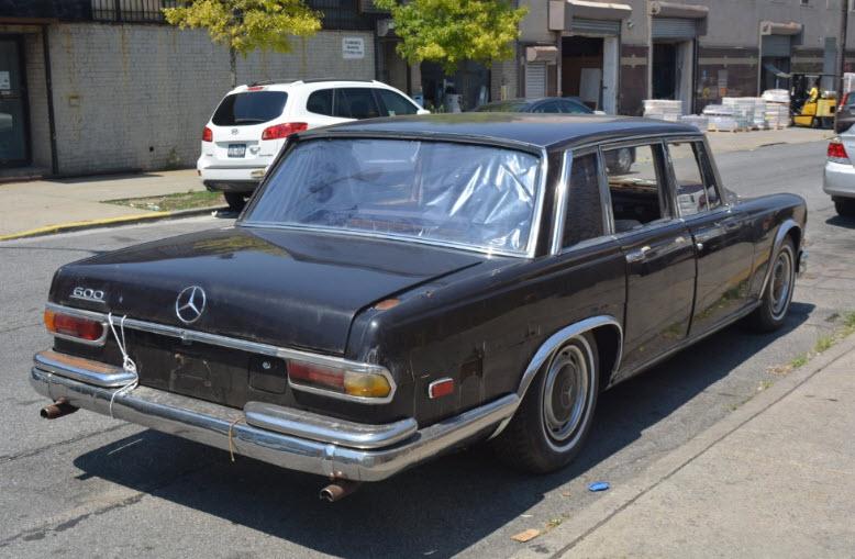 mercedes-600-sedan-4