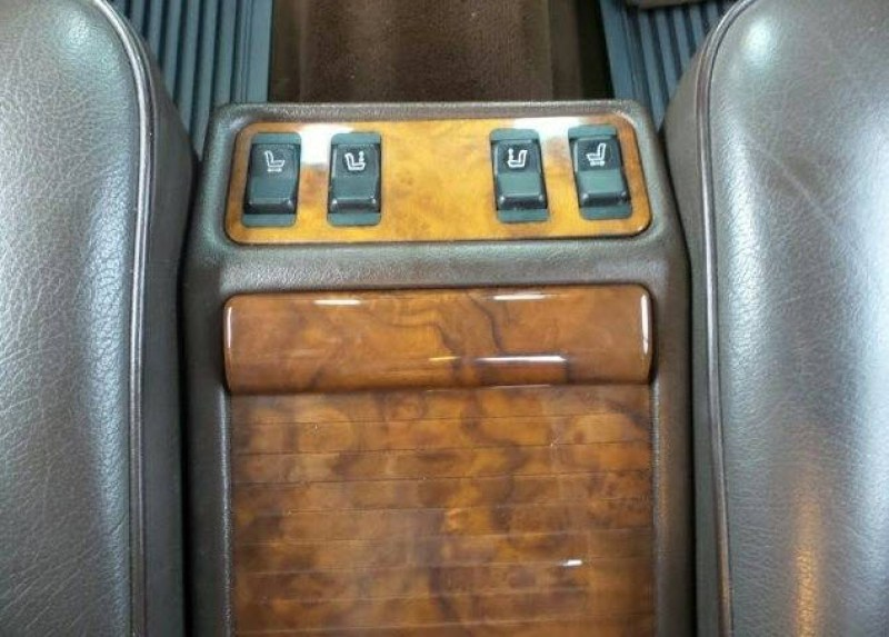 dirtyoldcars.com   Mercedes 560 SEL With Rare Seating Option Found in Denver   4