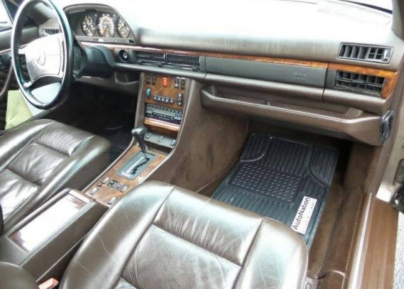 dirtyoldcars.com   Mercedes 560 SEL With Rare Seating Option Found in Denver   3