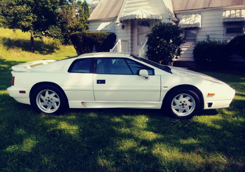 dirtyoldcars.com   1989 Lotus Esprit Turbo SE  White Found in New Jersey   7