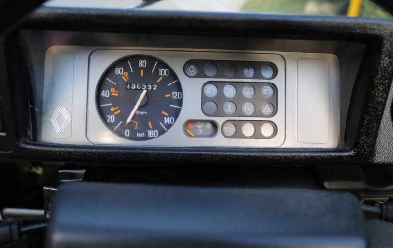 dirtyoldcars.com  1984 Renault Rodeo  Hidden Hills California  1
