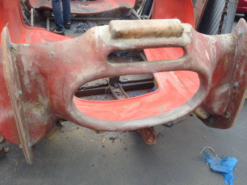 dirtyoldcars.com  AC Cobra Mold  4