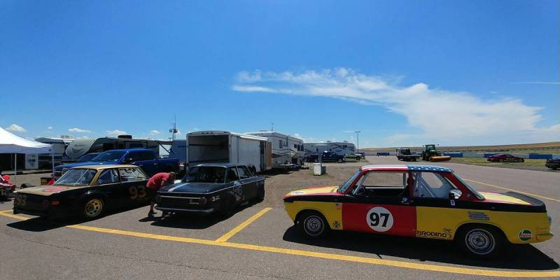 dirtyoldcars.com   1972 bmw 200tii race car colorado   10