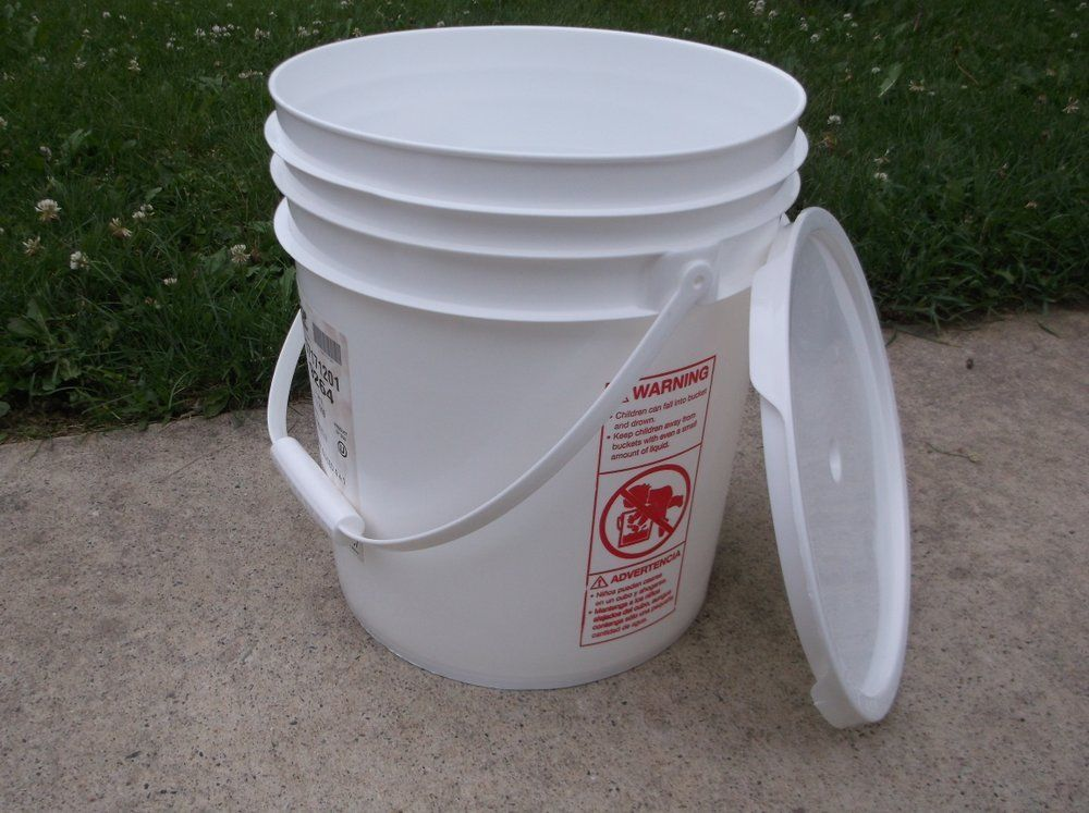 FOOD GRADE USED PLASTIC 4 GALLON ROUND BUCKET PAIL W LID HANDLE STORAGE RK EUC 1