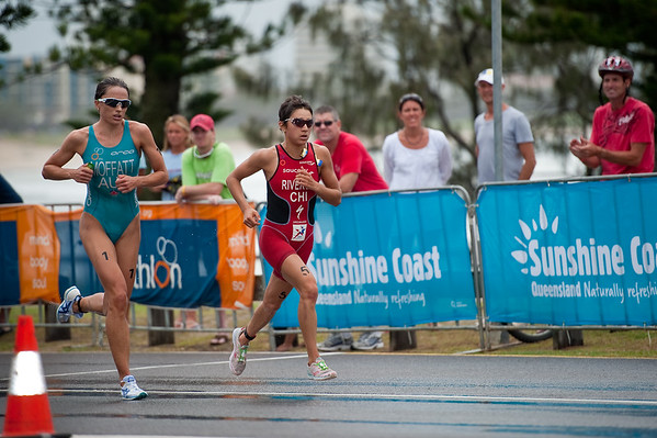 Emma Moffatt & Barbara Riveros Diaz fight for second place - 2011 Mooloolaba ITU World Cup Triathlon - Women. Mooloolaba Triathlon Festival, Sunday 27 March 2011, Sunshine Coast, Queensland, Australia. Photos by Des Thureson:  http://disci.smugmug.com.