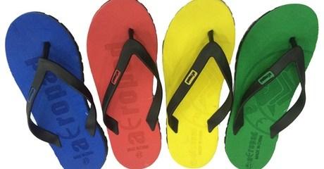 2 Pairs of Men's Beach Flip-Flops