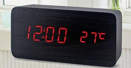 Wood Alarm Clock with Temperature