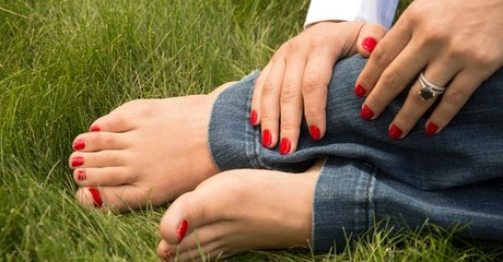 One-Colour Manicure And Pedicure