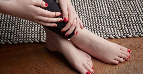 Fingernails and toenails can be buffed