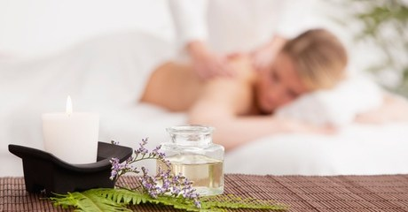 Ladies can indulge in a chosen pamper package with treatments including Moroccan baths