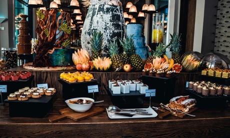 Seafood buffet & drinks at 5* Saadiyat Beach Club