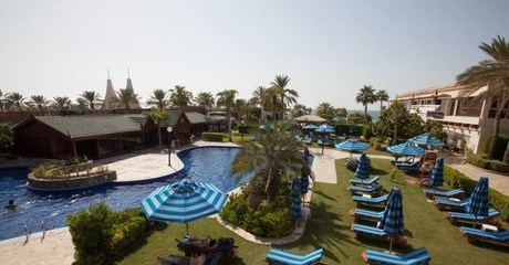 5* Friday Brunch with Pool Access
