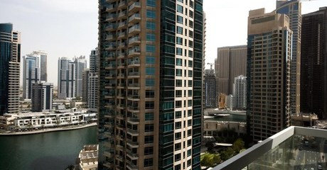 Dubai Marina: Apartment Stay with Late Check-Out