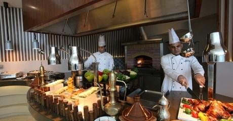 Iftar Buffet at 4* Auris Inn Al Muhanna Hotel