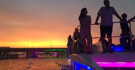 Catamaran Cruise with Buffet: Child (AED 55) or Adult (AED 85)