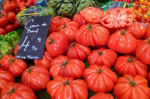 Tomatoes at the farmer's market