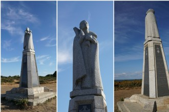 The statue of Jean-Pierre Calloc'h, overlooking the heath and the sea, on the island of Groix