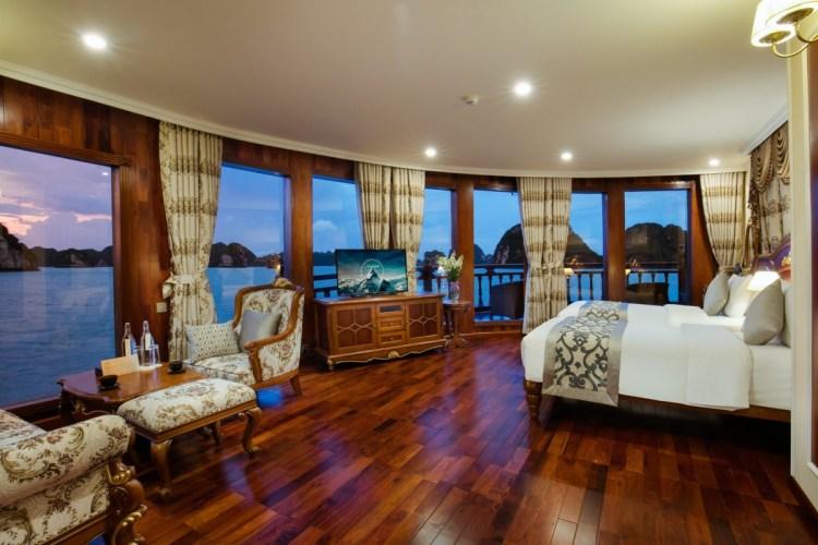 Dalat Suite Emperor Cruises Halong
