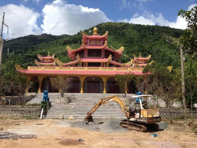 Tinh Xa Ngoc Van Temple