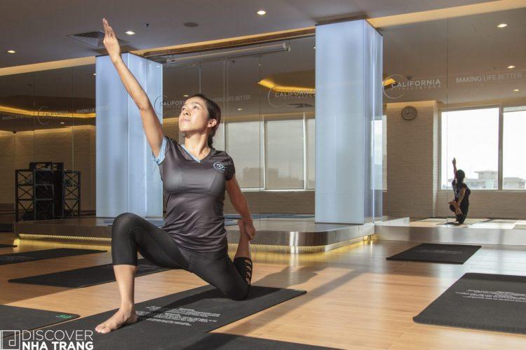 yoga-instructor-california-fitness-and-yoga