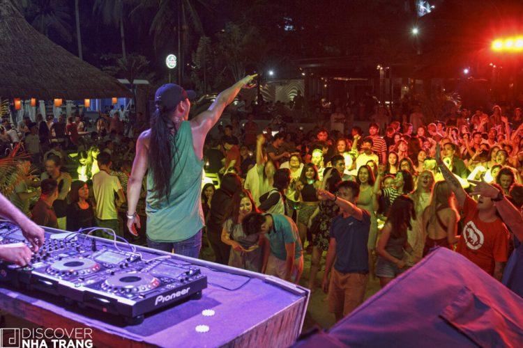 Party-Sailing Club Nha Trang