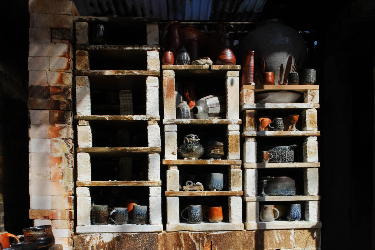 Lisa-Hammond-Studio-Tour-Kiln-Shelves