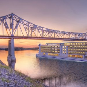 Mississippi Riverboat Cruise with Viking