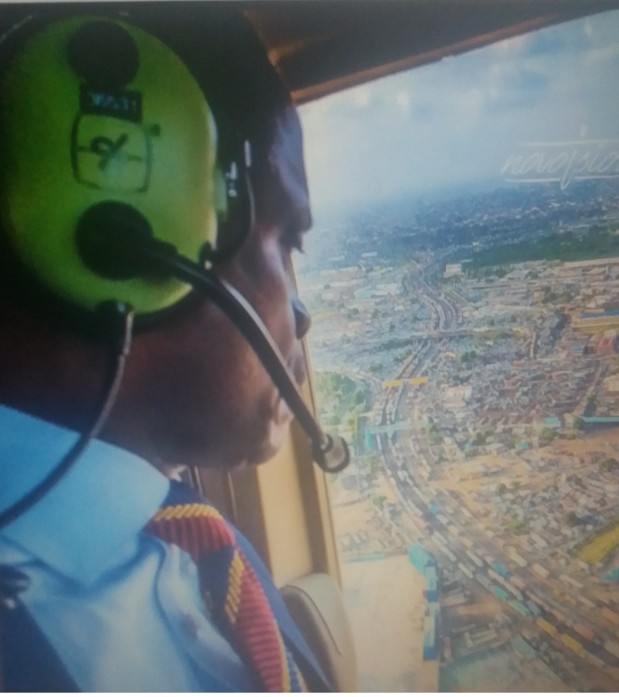 VP Osinbajo flown over the Apapa gridlock for aerial assessment of the situation, a week ago