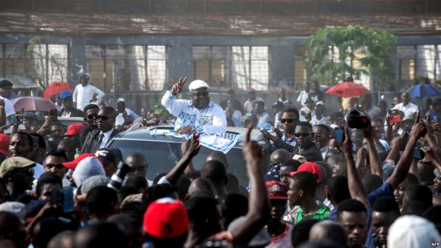 UDPS opposition party leader Felix Tshisekedi gestures to supporters as he arrives to address a rally in Kinshasa, April 24, 2018. Credit/VoA