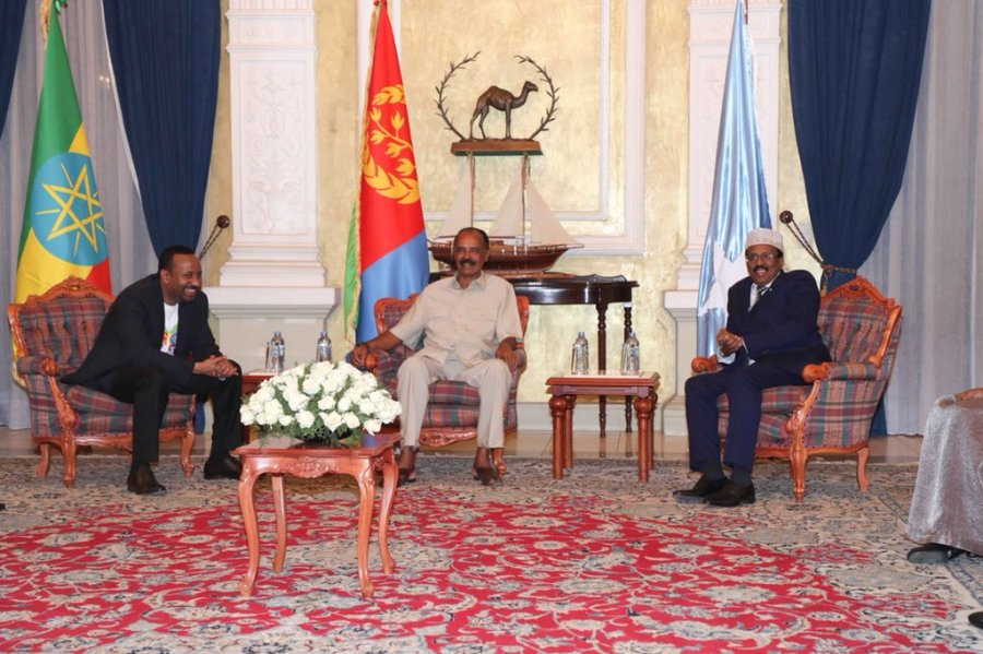 Their Excellencies President Farmajo, President Afwerki and PM Abiy Ahmed discussed the issues between Djibouti and Eritrea and agreed to initiate dialogue between the two nations for the interest of peace and progress in the Horn of Africa region