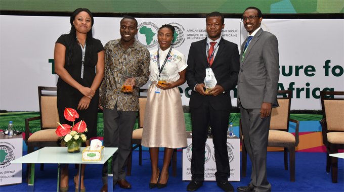 "AfDB's AgriPitch competition awards $120,000 in prizes to African youth ""agripreneurs"""