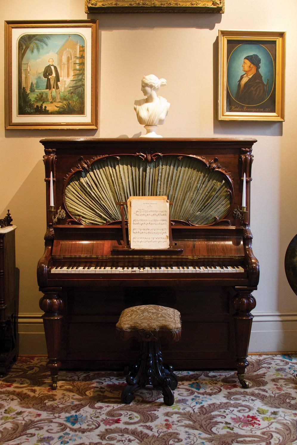 TGH_Photo-essay_12_GIBB_MG_0006_piano