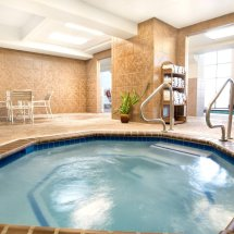 Grand Plaza Hotel Branson King Jacuzzi Suite - Discover