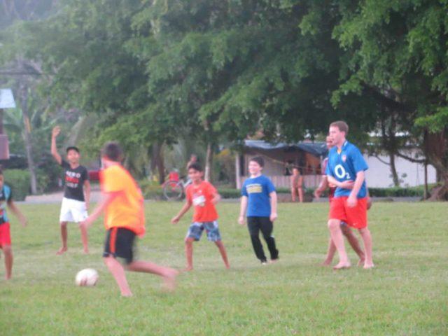 Kids on Costa Rica volunteer vacation