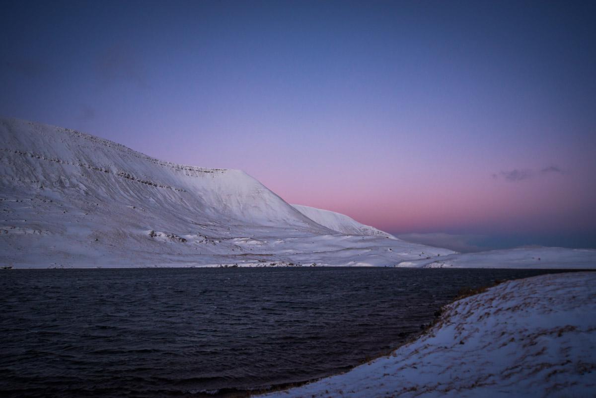 Llyn y Fan Fawr in the snow at Dawn