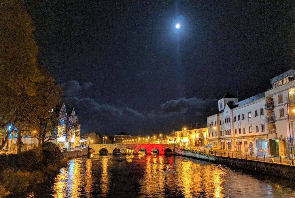 Best Adventure Travel Camera - Sony RX10 III - Google Pixel night mode