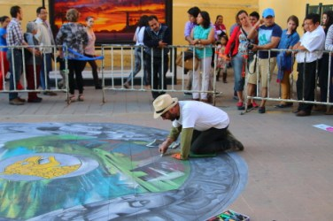 A sidewalk art contest in the main plaza