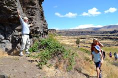 Guide on the art walk at Columbia Hills State Park