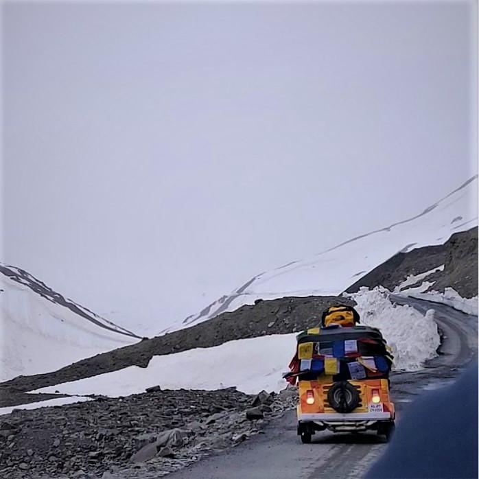 Auto rickshaw in Ladakh during winter season