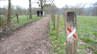 The GR footpath signs even show where NOT to go!