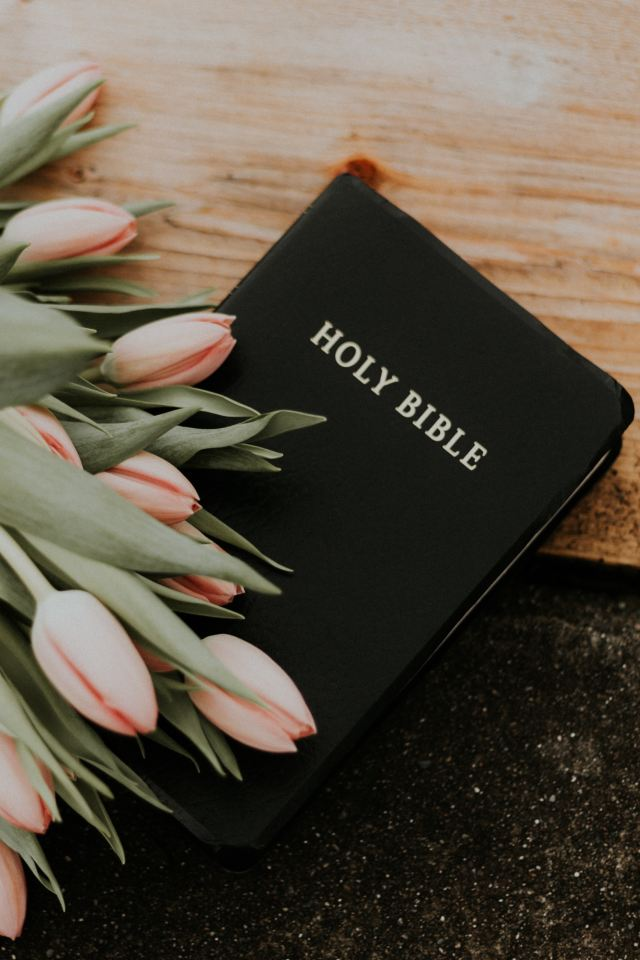 Bible and Flowers: Go to Easter service