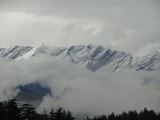 Snowfall near Manali