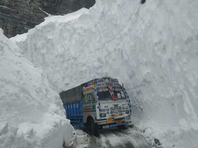 Truck passing through Rohtang pass
