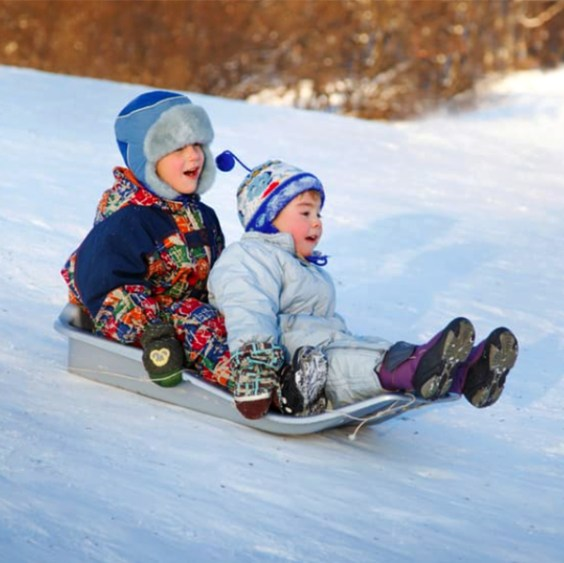 Tobogganing in Devon, AB