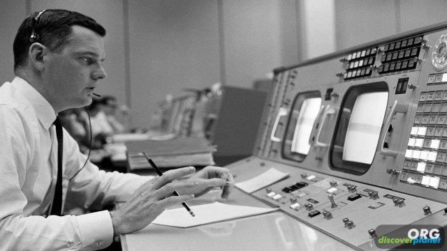Remembering Glynn Lunney, NASA flight director from 1936-2021