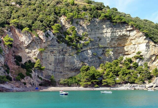 Portovenere Beach on Palmaria Island. Image by Maurizio Pessione.