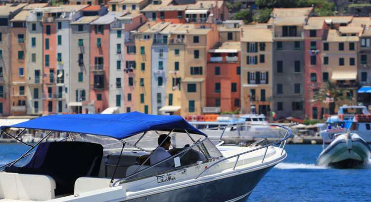 Sail in the Gulf of Poets: hire a boat in Portovenere