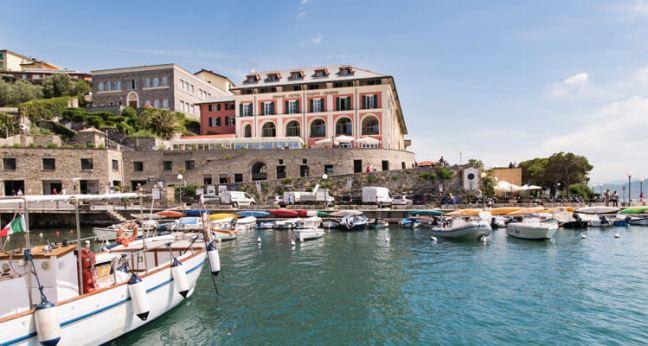 Portovenere s top suite on a luxury travel blog for Design hotel liguria