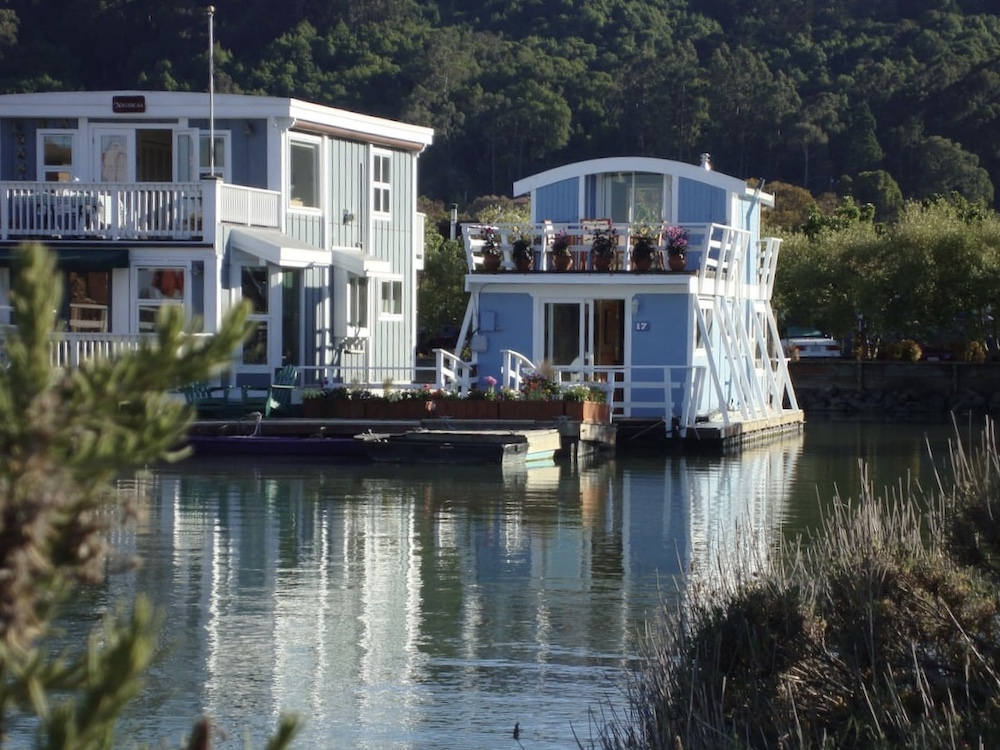 Sausalito Houseboats - Guest Gottage Exterior