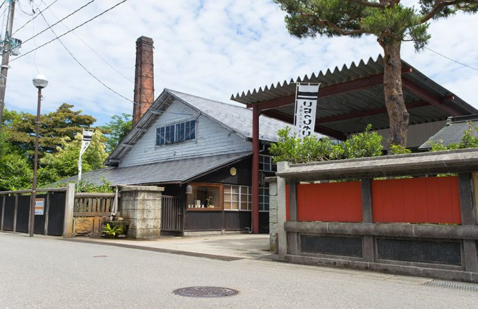 Worth Seeing Four-Season Garden in Shonai